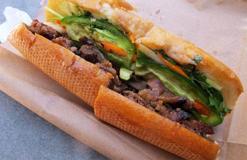 Bánh mì Việt Nam là món ăn đường phố ngon nhất thế giới