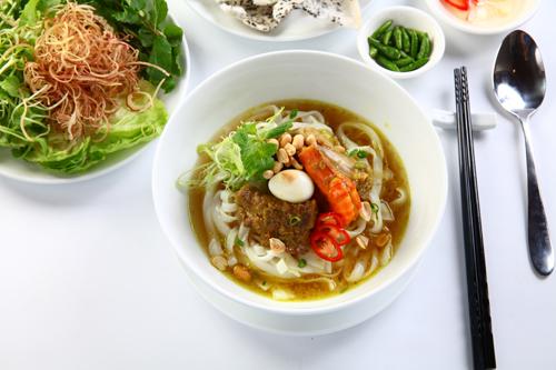 Các món Việt hút khách Tây ở chợ Bến Thành - ảnh 8