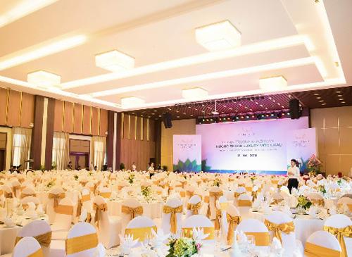 Các phòng được trang bị hệ thống trình chiếu, âm thanh ánh sáng theo tiêu chuẩn quốc tế