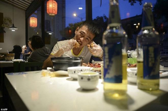 Đầu thỏ - món ăn 'làm mưa làm gió' ở Tứ Xuyên