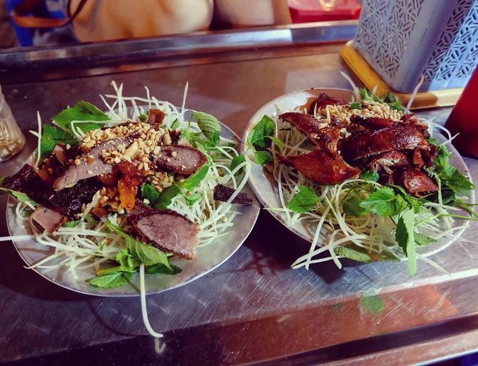 10 món ăn vặt quanh phố đi bộ Hoàn Kiếm