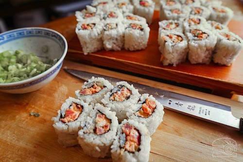 Vì sao không nên gọi cơm cuộn cá ngừ trong nhà hàng sushi - ảnh 1