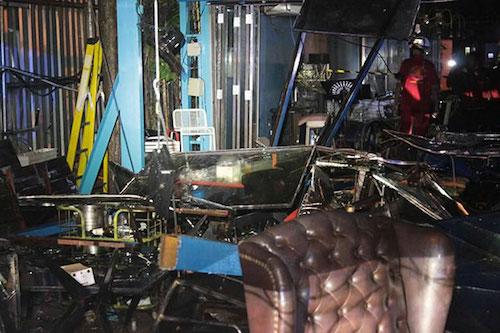 Sập mái, 10 người gặp nạn trong nhà hàng - ảnh 1