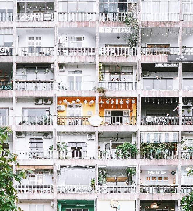Cà phê chung cư ở trung tâm Sài Gòn. Ảnh: meoluoicuon.