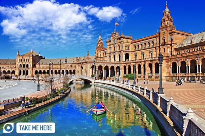 Thành phố Seville ở Tây Ban Nha nổi tiếng về trái cam, điệu nhảy Flamenco và cuộc đấu bò tót. Nơi đây có cung điện Hoàng gia lâu đời nhất châu Âu và nhà thờ Gothic lớn nhất thế giới.
