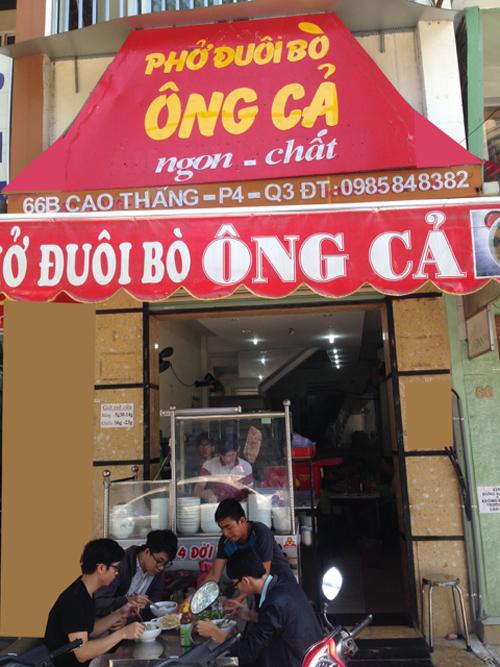 pho-gia-truyen-bon-the-he-giua-long-sai-gon
