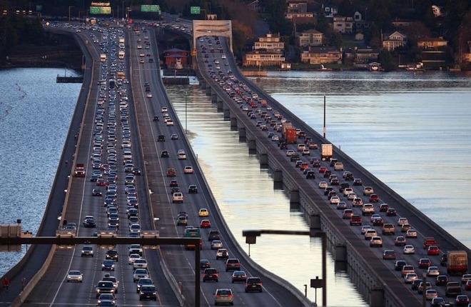 Cây cầu nổi trứ danh của bang Seattle