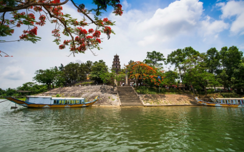 Chùa Thiên Mụ - điểm đến yêu thích của du khách khi đến Huế