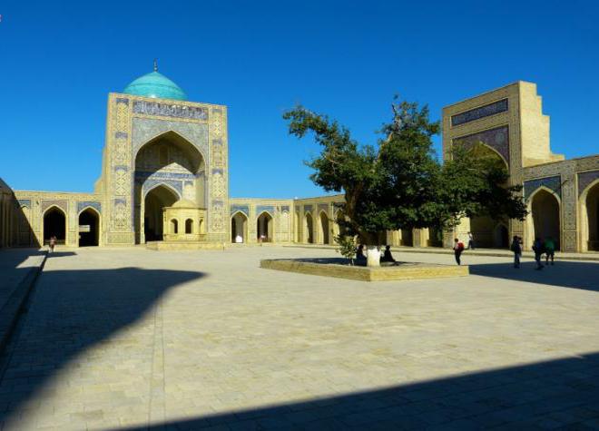 Trung tâm lịch sử của Bukhara, Uzbekistan: Có niên đại hơn 2.000 năm, thành phố Uzbek của Bukhara nằm trên con đường tơ lụa. Là một trong những thành phố lớn nhất của Trung Á, lại nằm ở vị trí ngã tư của các tuyến đường thương mại, Uzbek trở thành một trung tâm dành cho các thương gia và khách du lịch. Đây cũng là một trung tâm văn hóa nổi tiếng về Hồi giáo, đặc biệt là lăng Ismail Samanid mang đậm lối kiến trúc này. Ảnh: Pixabay/ CCO.