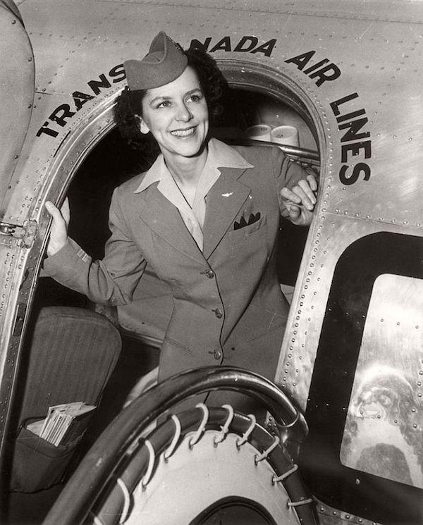 Những nữ tiếp viên hàng không đầu tiên trên thế giới