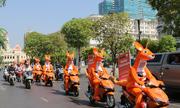 Sắc cam kangaroo xuống phố Sài Gòn