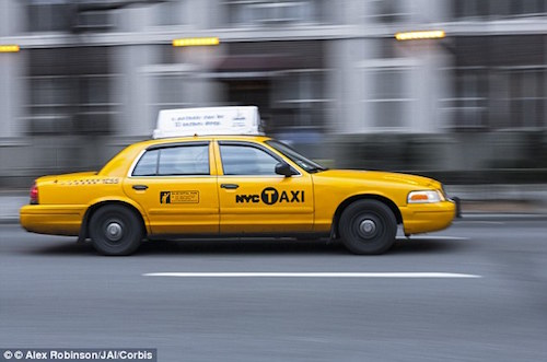 Vì sao taxi New York thường sơn màu vàng?