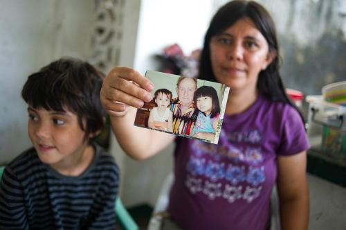 Những đứa trẻ không cha ở thành phố tội lỗi của Philippines
