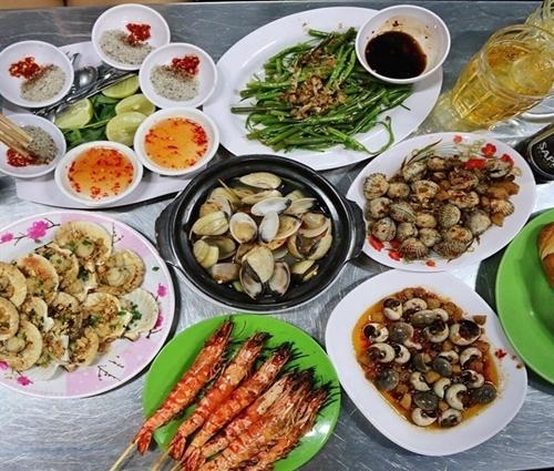 5-con-duong-m-thuc-khong-luc-nao-vang-khach-o-sai-gon-6