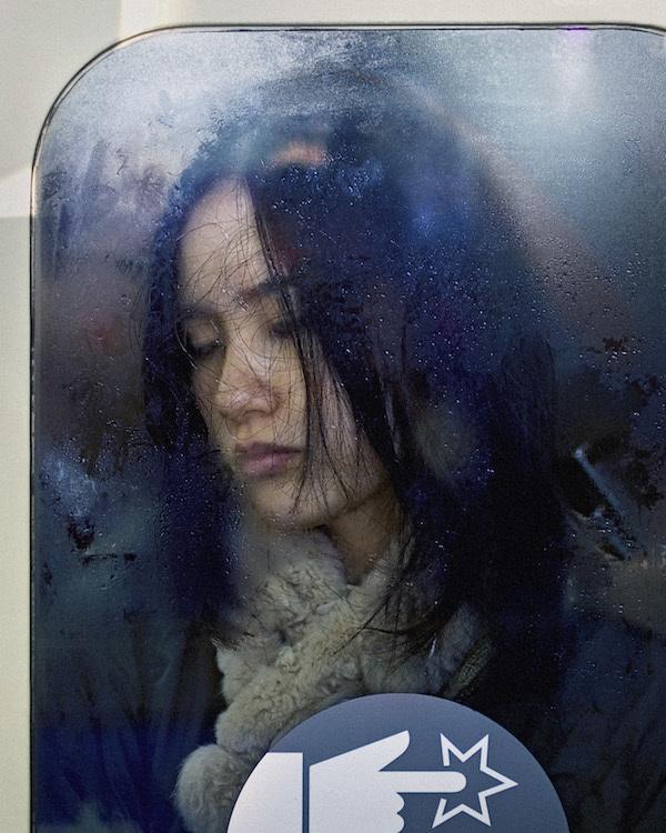 Nỗi ám ảnh của người dân Tokyo trên tàu điện ngầm giờ cao điểm