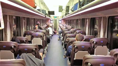 Đường sắt Sài Gòn vừa đưa vào hoạt động 11 toa tàu hỏa chất lượng 5 sao tuyến TP HCM - Nha Trang.