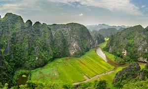 Hang Múa - nơi ngắm cảnh lý tưởng ở Ninh Bình