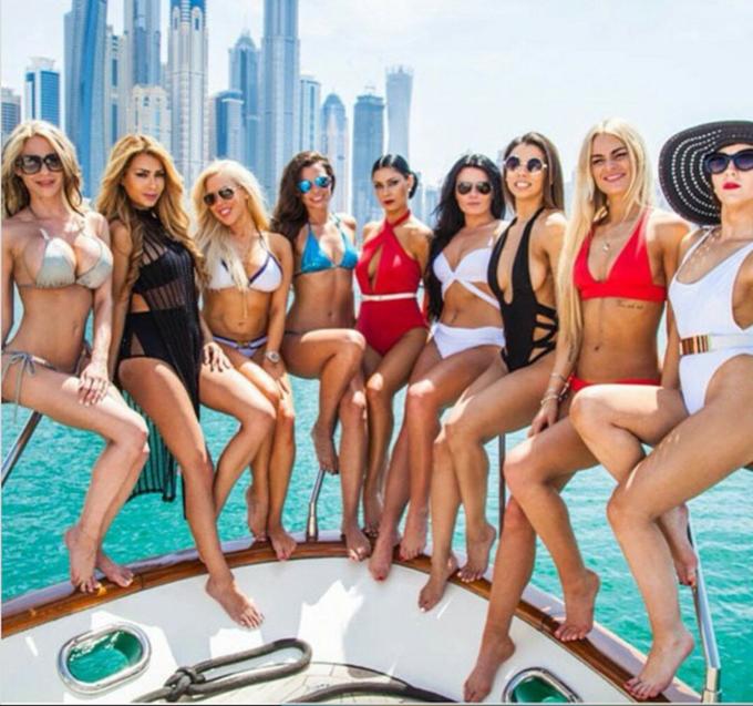 Kỳ nghỉ hè xa xỉ của hội con nhà giàu Dubai