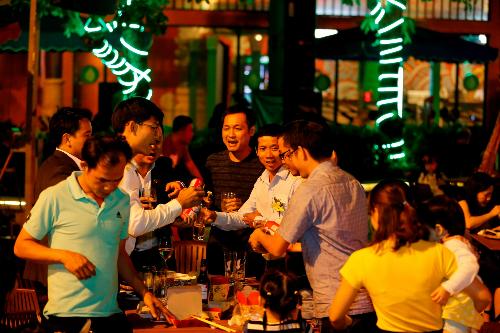 Với nhiều món ăn đặc sắc và không gian thoáng đãng, sạch sẽ, Không gian ẩm thực Ngũ hành đã trở thành địa điểm gặp gỡ, hội tụ lý tưởng cho các nhóm khách, các gia đình đến Đà Nẵng dịp này và cả trong thời gian tới.