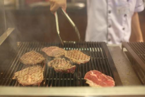 Được tổ chức và quản lý bởi Vua đầu bếp lừng danh Phạm Tuấn Hải, Không gian ẩm thực Ngũ hành mang tới cho du khách hàng trăm món ăn đặc trưng cho văn hóa ẩm thực nhiều quốc gia, vùng miền.