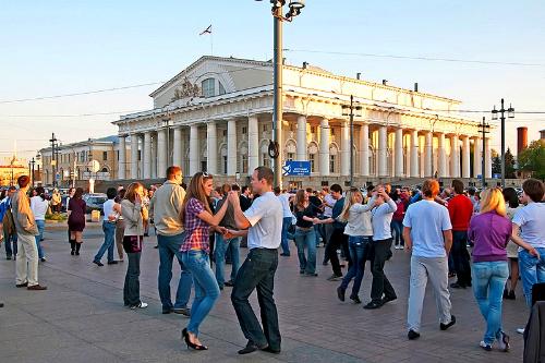 Nước Nga đón mùa đêm trắng - ảnh 2