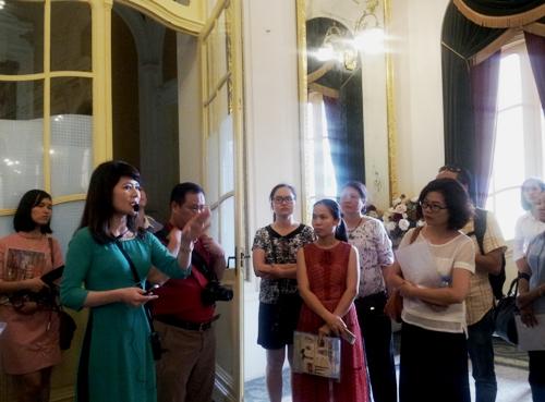 Chiều 10/5, Tổng cục Du Lịch và Nhà hát Lớn Hà Nội tổ chức buổi khảo sát, tọa đàm xây dựng sản phẩm du lịch, khai thác chương trình biểu diễn nghệ thuật phục vụ du khách tại Nhà hát Lớn Hà Nội.