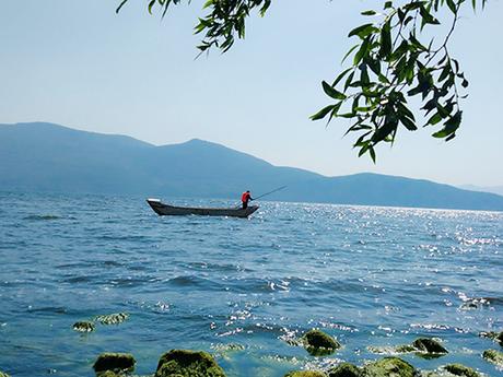 Hồ Nhĩ Hải là hồ nước ngọt lớn thứ hai ở Vân Nam (sau Điền Trì ở Côn Minh)