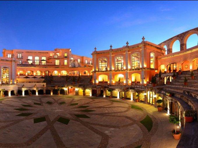 11 khách sạn cổ có 'tuổi thơ dữ dội'