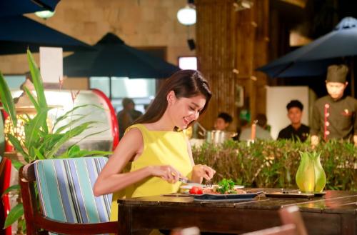 Hành trình trải nghiệm mùa hè của Á hậu Thùy Dung - ảnh 7