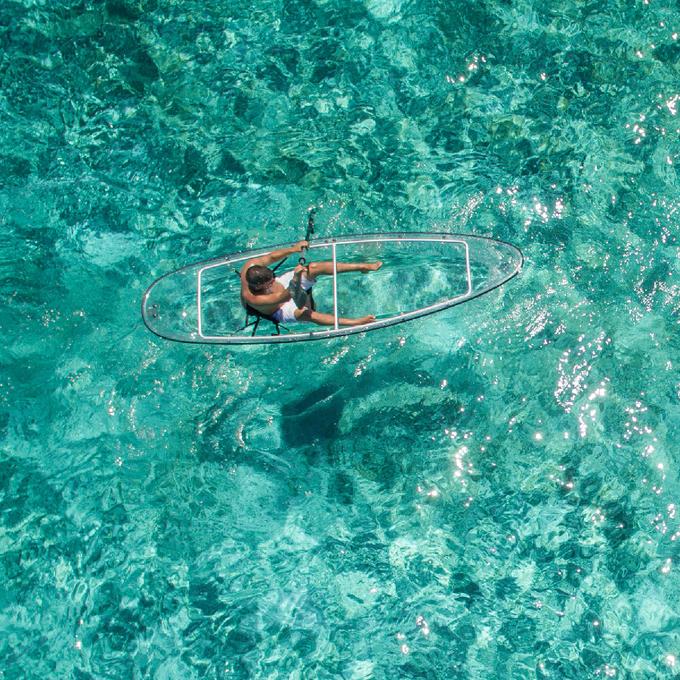 Brian Maxfield, thành viên ban quản trị của Crystal Kayak chia sẻ rằng công ty của ông muốn thiết kế ra một chiếc thuyền dễ sử dụng, dành cho cả những người thuần thục với bộ môn này và đầu tiên thử sức. Ảnh: touchofmodern.