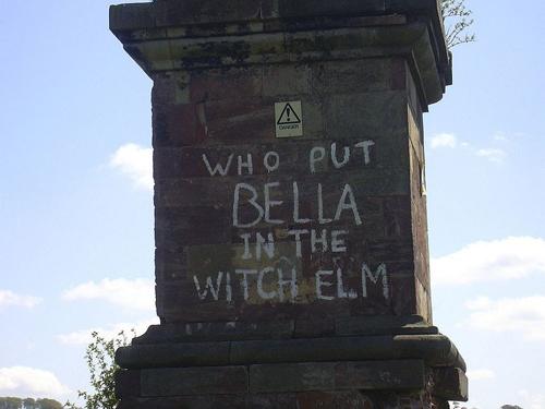 Dòng chữ ai đi qua nhìn thấy cũng bị ám ảnh ở Anh