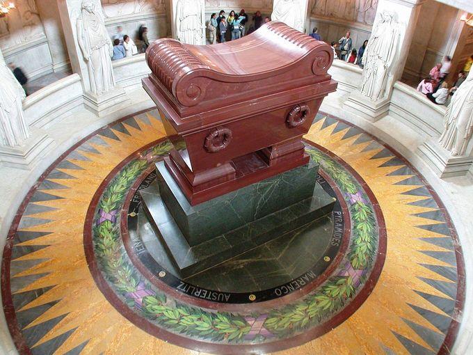 Bên trong lăng mộ của hoàng đế Napoleon