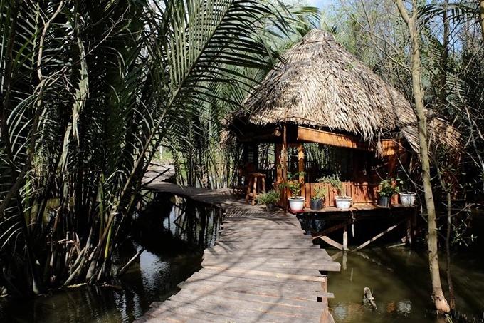 Homestay nổi trên mặt nước ở ngoại ô Sài Gòn