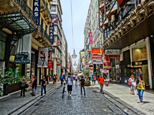 Du khách bị dân Hy Lạp đánh vì đi mua sắm vào chủ nhật