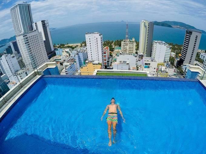 Tám bể bơi vô cực ở Việt Nam đẹp không kém nước ngoài