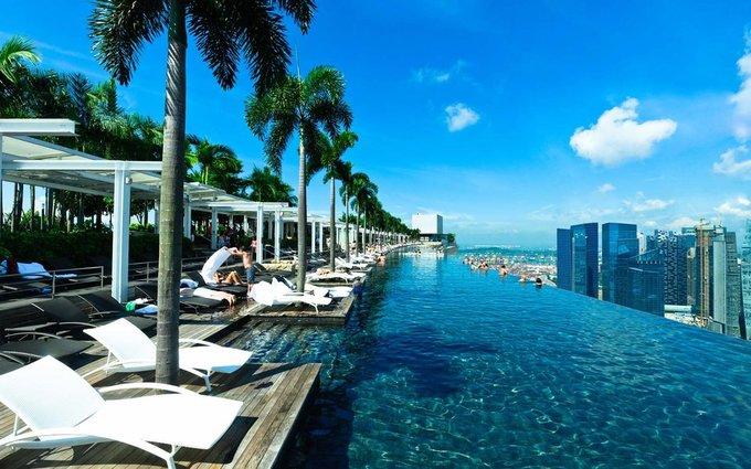 10 khách sạn có bể bơi sân thượng đẹp nhất