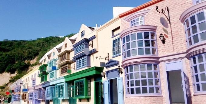 Khu biệt thự màu sắc ở Nha Trang được nhiều du khách check in
