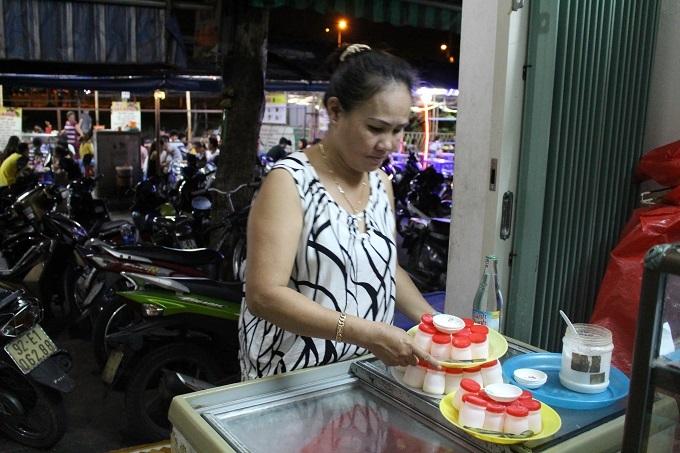 Sữa chua muối - món ăn vặt chỉ có ở Đà Nẵng