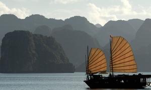Vịnh Hạ Long vào top 50 kỳ quan thiên nhiên thế giới