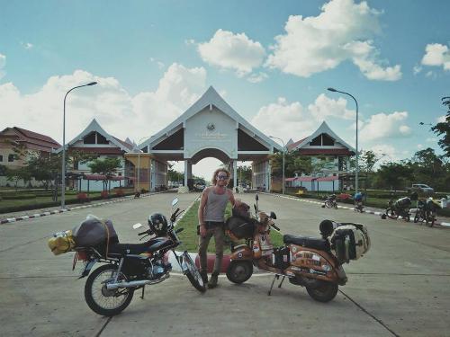 nhung-cu-soc-cua-chang-trai-phuot-40000-km-tu-italy-den-viet-nam-7