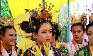 Lễ rước Thánh Mẫu của người dân Huế