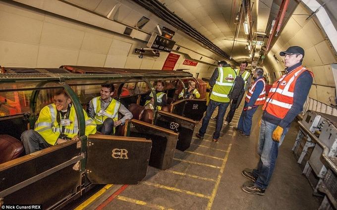 Đường đưa thư dưới lòng đất gần 80 năm ở London