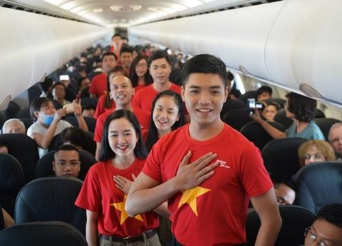 hat-mung-quoc-khanh-tren-chuyen-bay-bac-nam