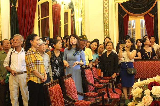 Nhà hát Lớn ngày đầu tiên mở cửa đón khách tham quan