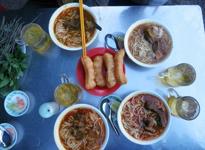 Năm quán ăn lâu đời luôn đông khách ở miền Tây