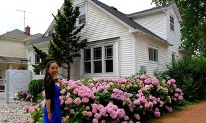 Cô gái Sài Gòn tư vấn du lịch tự túc Canada 'ngon bổ rẻ'