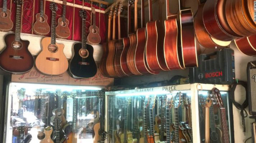 pho-guitar-giua-long-sai-gon-len-bao-my-2