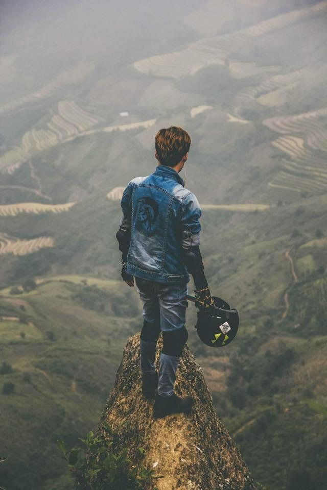 10 mỏm đá 'chỉ nhìn cũng tim đập chân run' ở Việt Nam