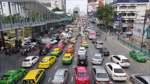 du-khach-duoc-di-mien-phi-phuong-tien-cong-cong-tai-bangkok