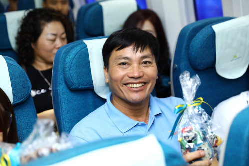 vietnam-airlines-tang-qua-trung-thu-cho-hanh-khach-2
